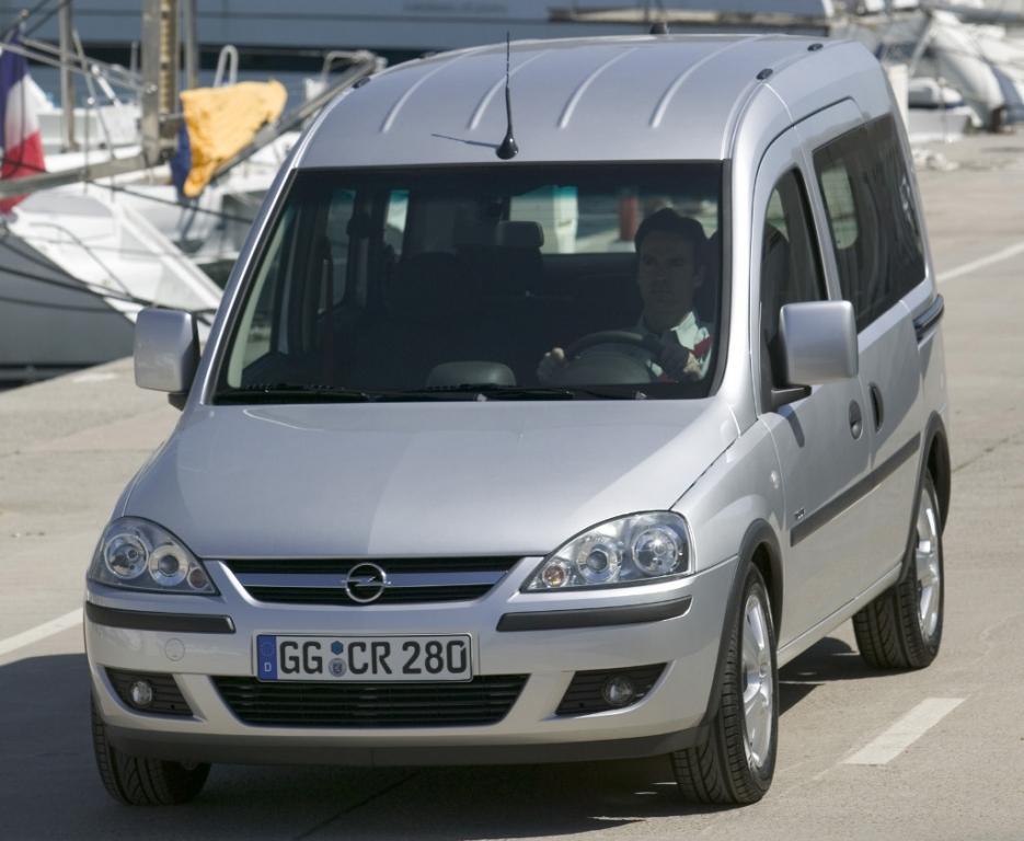 Fahrbericht Opel Combo: Da kann der Hut auf dem Kopf bleiben