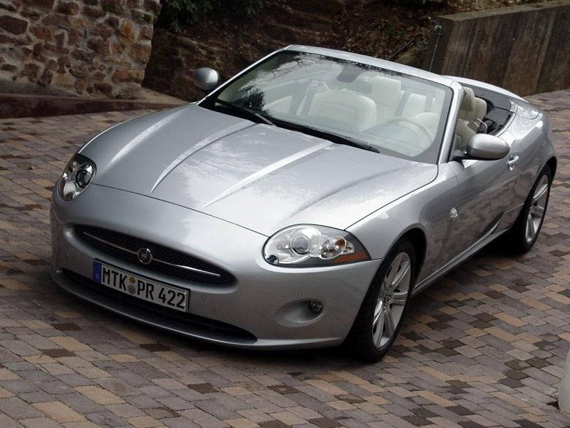 Jaguar XK: Nieten, kleben und genießen