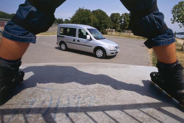 Telekom testet Opel Combo mit Erdgasantrieb