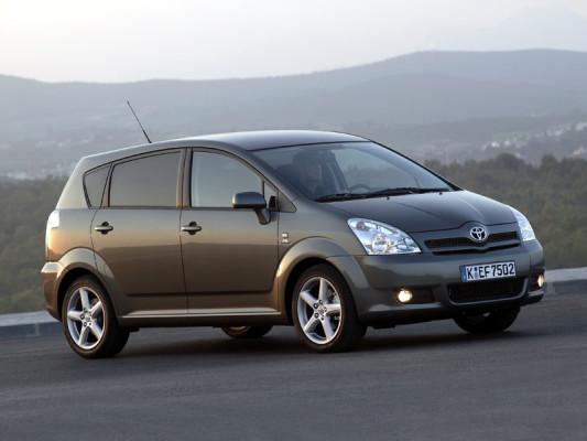 Toyota Corolla Verso D-Cat: Der (fast) Alleskönner