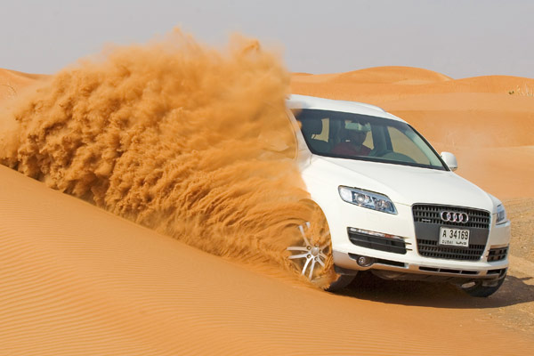 Audi Q7: Exklusive Wüstenevent in Dubai