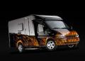 Hymer Tuning Van: Schwarzer Star auf dem Campingplatz
