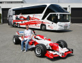 Exklusiver Neoplan-Reisebus für Toyota Formel 1-Team