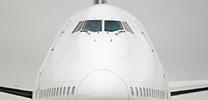 VW Touareg zieht Boeing 747