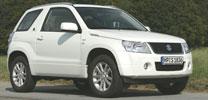 """Suzuki präsentiert Sondermodelle Jimny und Grand Vitara """"Black & White"""""""