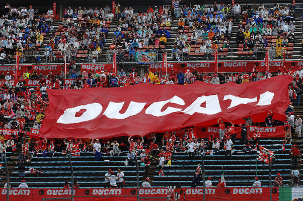 Ducatis Party: Ein Fest in Bologna