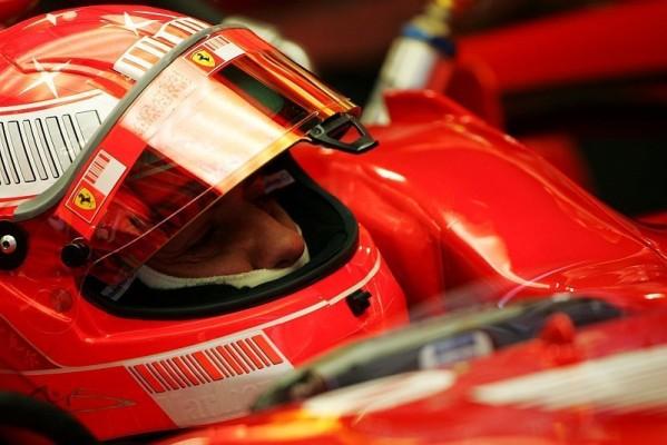 Barcelona, Tag 1: Schumacher fährt Bestzeit