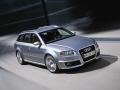 Audi RS 4: Sportliche Nadelstreifen für Kombi und Cabrio