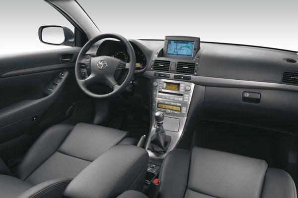 Toyota Avensis - Innenraum
