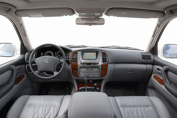 Toyota Land Cruiser 100 - Innenraum