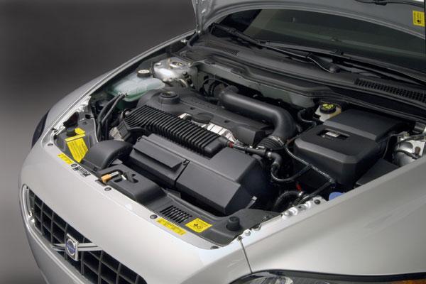 Volvo C70 - Motorraum