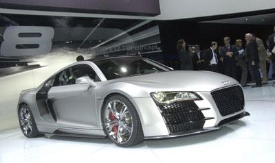 Audi präsentiert R8 mit V12-Diesel und den TTS