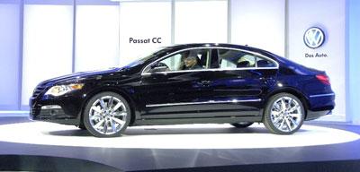 Volkswagen stellt den coupéartigen Passat CC vor