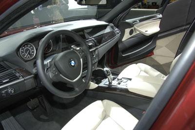 Weltpremiere des X6 und des 1er-Cabrio bei BMW