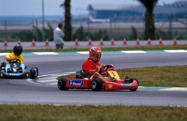Schumacher wieder im Kartsport: Ein Team mit Freunden