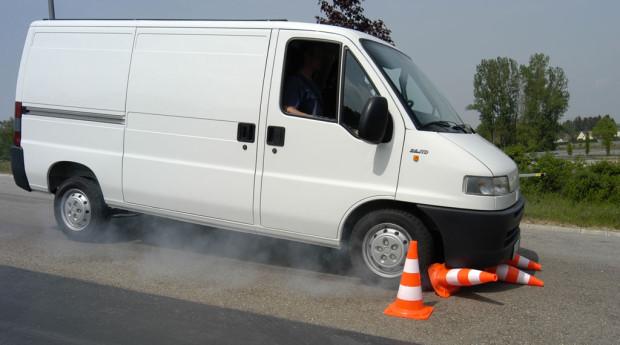 ADAC gegen Tempolimit für Kleintransporter