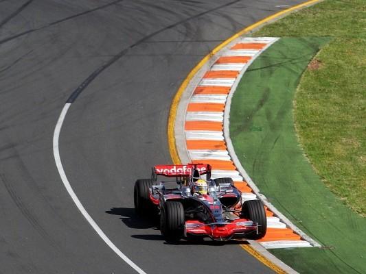 Australien GP: Hamilton siegt üder das Chaos