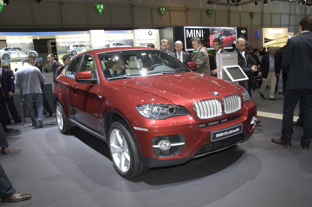 BMW X6: Variable Kraftverteilung