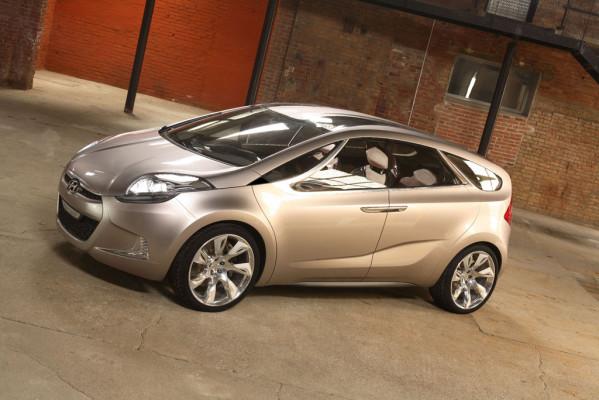 Hyundai zeigt MPV-Studie und sparsame i-blue-Modelle