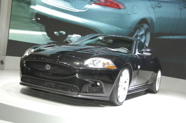 Jaguar XKR-S ist 280 km/h schnell