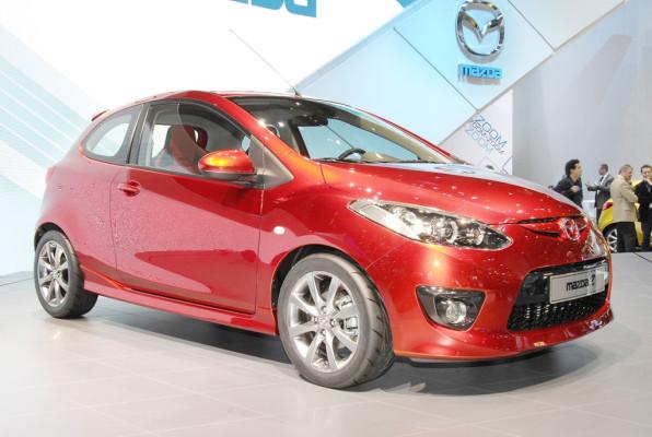 Mazda in Genf mit dreitürigem 2-er und Wasserstoffantrieb