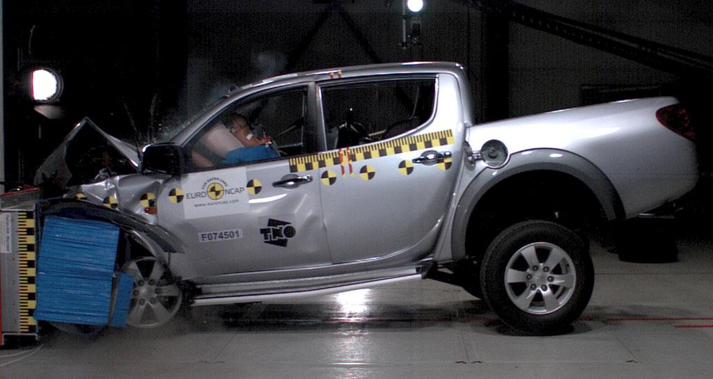 Mitsubishi L 200 bester Pick-up im Crashtest