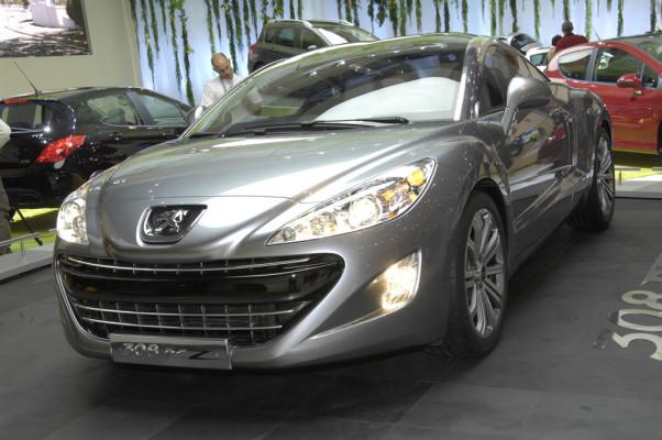 Peugeot stellt den 308 SW und den Partner Tepee vor