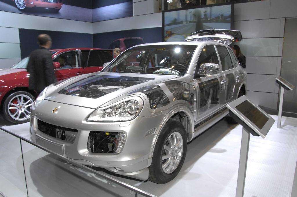 Porsche in Genf: Schnelle und sparsamere Modelle