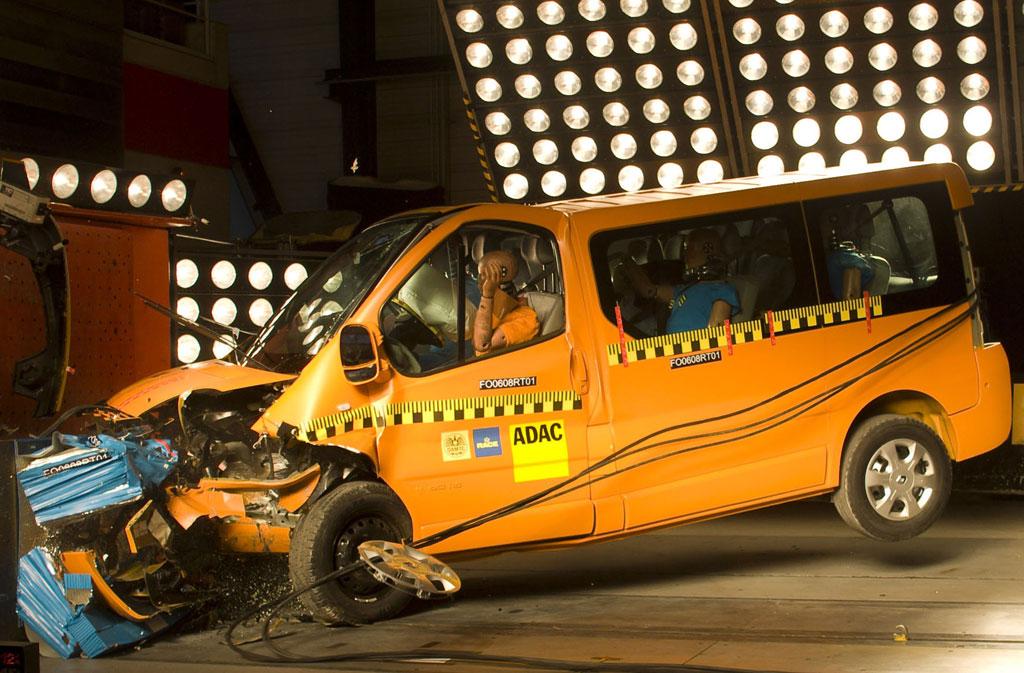 Renault Trafic beim ADAC-Crashtest