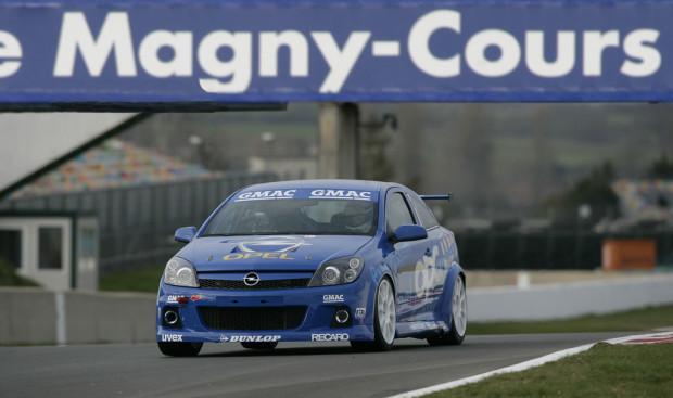 Rennversion des Opel Astra OPC im Dauertest