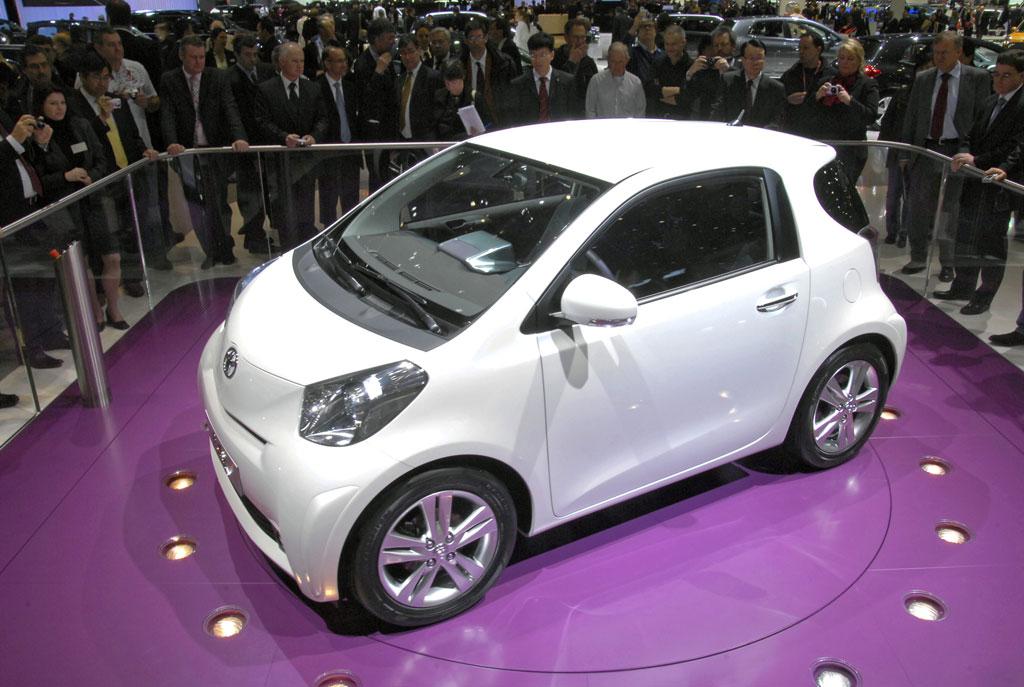 "Toyota positioniert den Kleinwagen ""iQ"" als Mini-Premium"