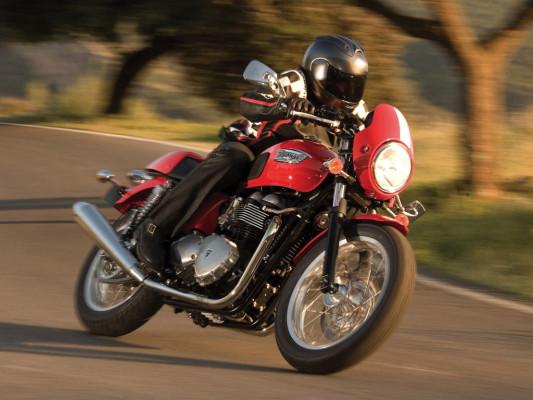 Triumph spendiert der Klassiker-Reihe Einspritzmotoren