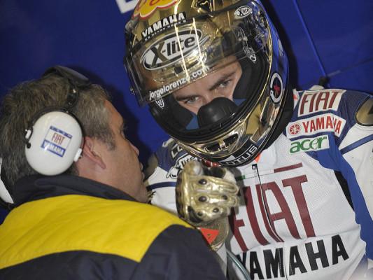 Verkehrte Yamaha-Welt: Lorenzos Glück und Rossis Probleme