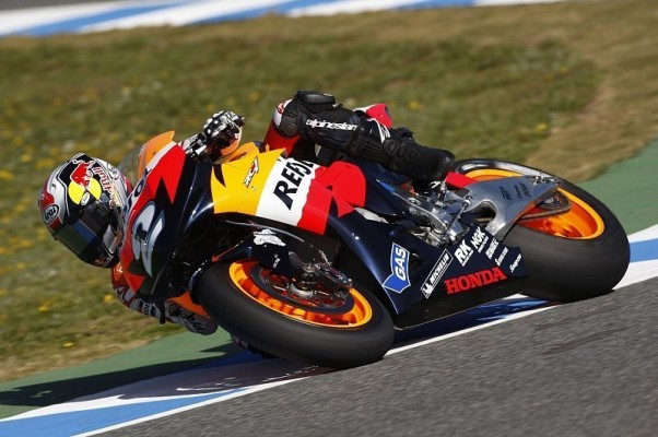 3. Training MotoGP: Pedrosa knapp voraus