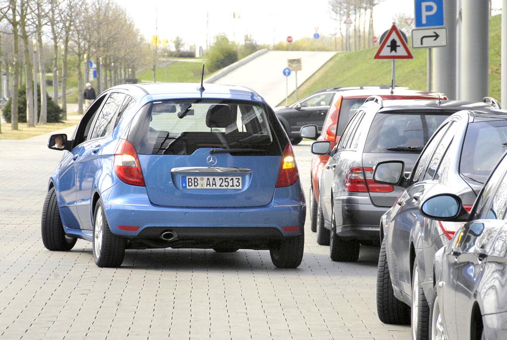 Automatischer Parkassistent für Mercedes-Benz A-Klasse