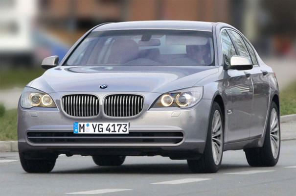 Der neue BMW 7er mit Hinterradlenkung