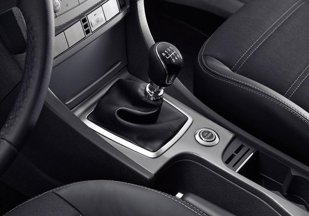 "Ford bietet Focus CC als limitiertes Modell ""Black Magic"" an"