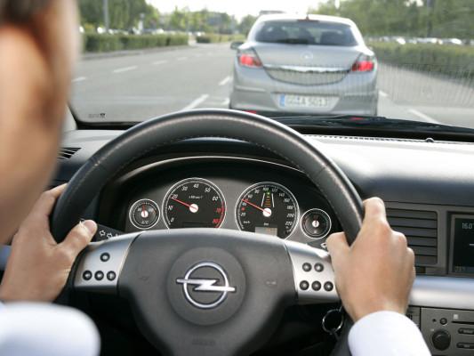 Kein Versicherungsschutz bei zu schnellem Anfahren