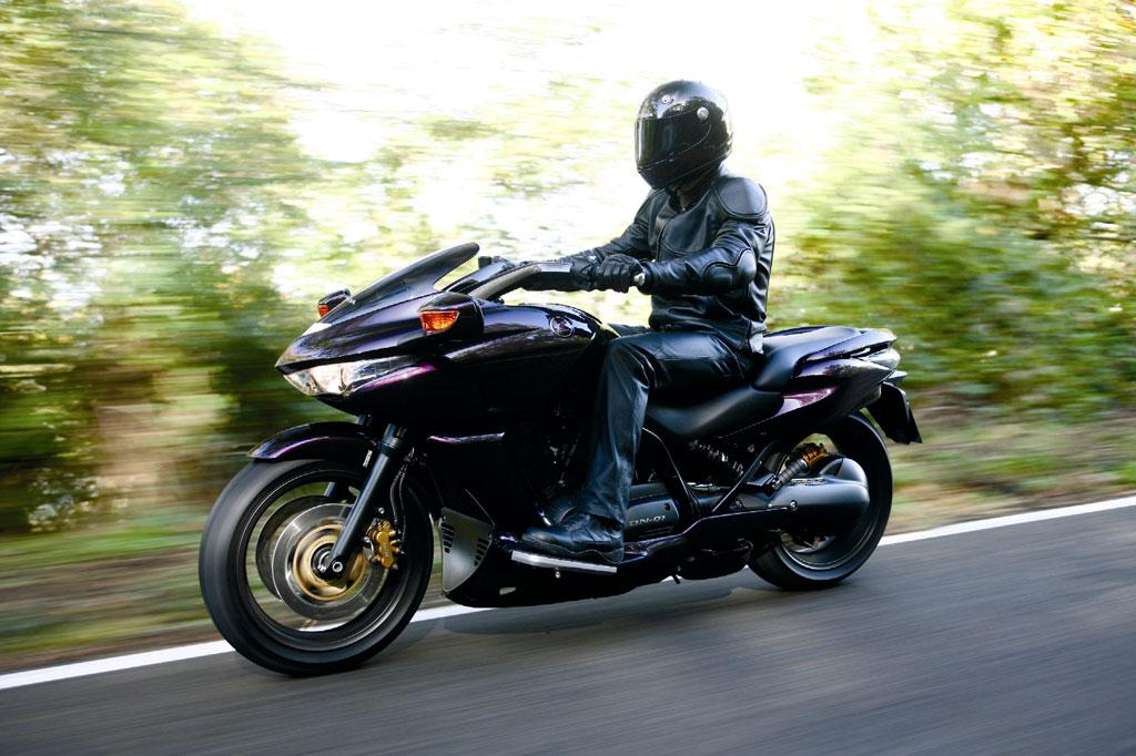Motorrad-Präsentation Honda DN-01: Der Automatik-Cruiser