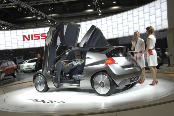 Nissan stellt GT-R und Murano vor
