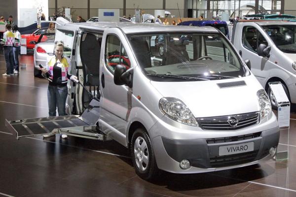 Opel präsentiert Vivaro für Rollstuhlfahrer