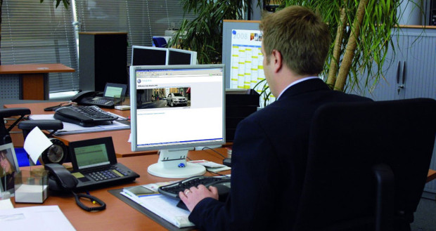 Ratgeber Auto: Gebrauchtwagen sicher online kaufen und verkaufen