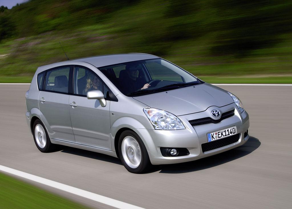 Toyota erweitert Corolla Verso Ausstattung