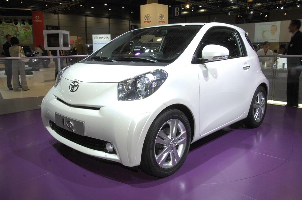 Toyota iQ: Dreisitzer mit Notsitz geht 2009 in Serie