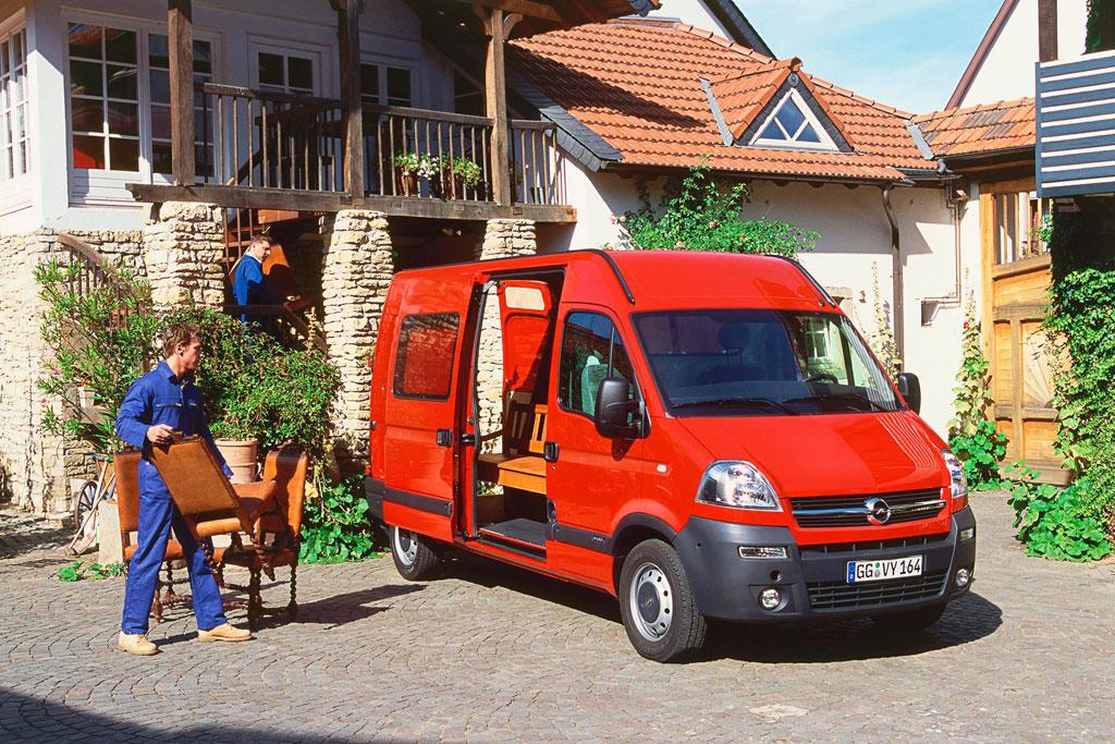 Vauxhall erprobt Rückfahrkamera im Transporter Movano