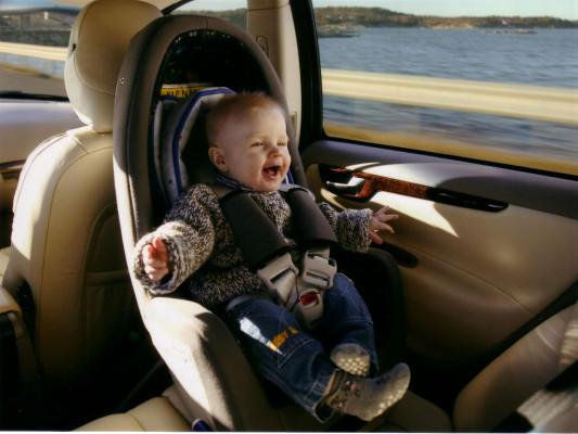 VdM: Bis zu zehn Prozent der Kinder im Auto nicht gesichert