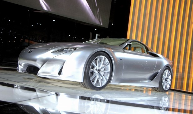 Lexus nimmt mit Prototyp am 24-Stunden-Rennen teil