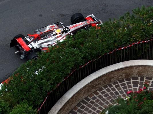 McLaren über Ferrari uneinig: Die Strategie soll's richten