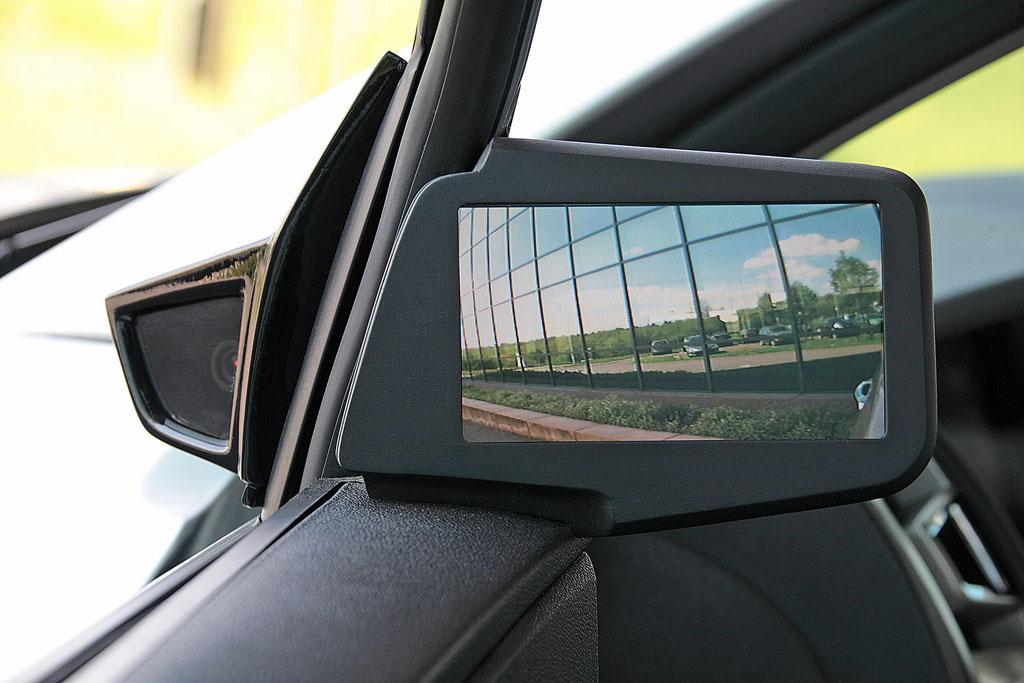 Neues Pkw-Innenraumkonzept soll Ablenkung des Fahrers verringern