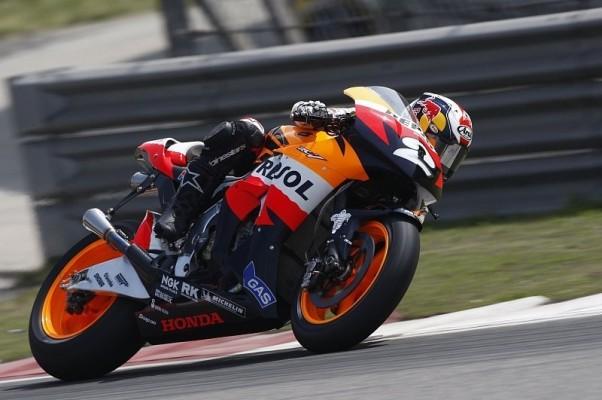Pedrosa zum Auftakt knapp vor Lorenzo: Rossi und Stoner in Lauerposition